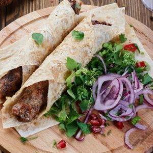 Люля кебаб из баранины в лаваше